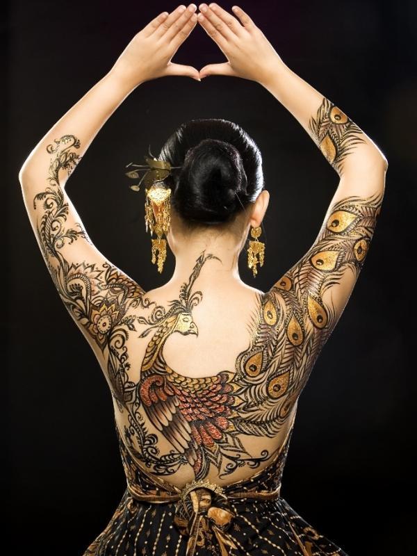 8 Inspirasi tato batik di Hari Batik Nasional   Via: maistatuagem.tumblr.com