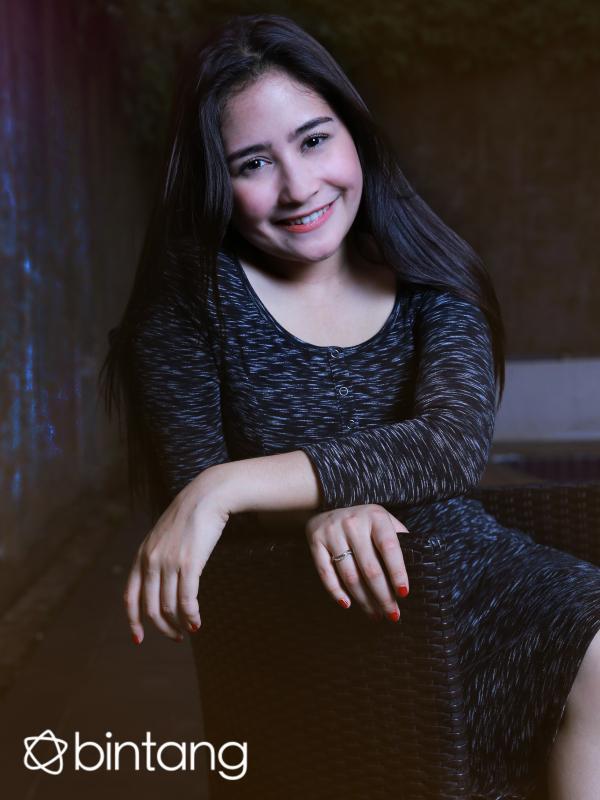 Foto eksklusif Prilly Latuconsina (Galih W. Satria/Bintang.com/Digital Imaging: Denti Ebtaviani/Bintang.com)