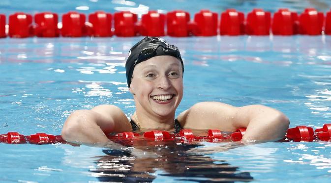 Katie Ledecky kembali memecahkan rekor dunia cabang olahraga renang. Kali ini dia memecahkan rekornya sendiri di nomor 800 meter gaya bebas saat tampil pada ajang Pro Swim Series, Senin (18/1/2016) WIB.(EPA/Valdrin Xhemaj)