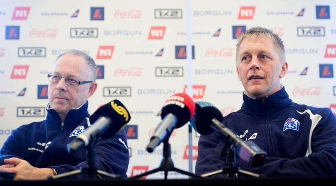Pelatih tim nasional Islandia, Lars Lagerback (kiri) dan Heimir Hallgrimsson (kanan). (AFP/Laurie Dieffembacq).