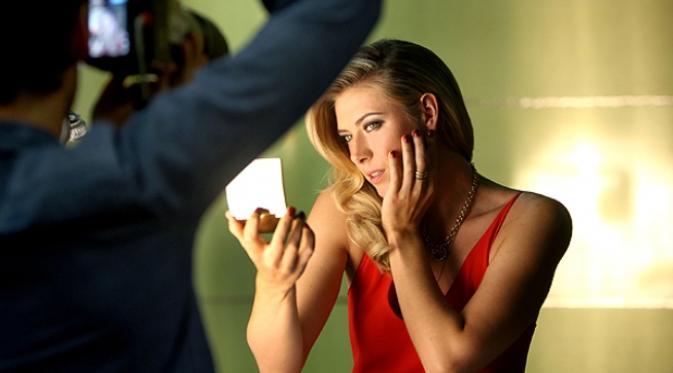 Maria Sharapova, atlet tenis profesional dunia, mengungkap rahasianya untuk tampil gaya dan modis.