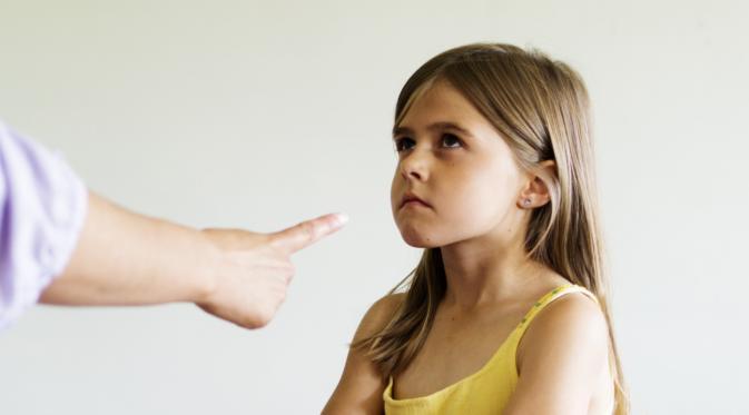 Jangan Siksa Mental Anak Anda dengan 17 Kalimat Ini. (Foto: i.huffpost.com)