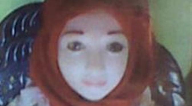 Ternyata netizen benar. Anak bidadari di Sulawesi itu ternyata memang boneka seks!