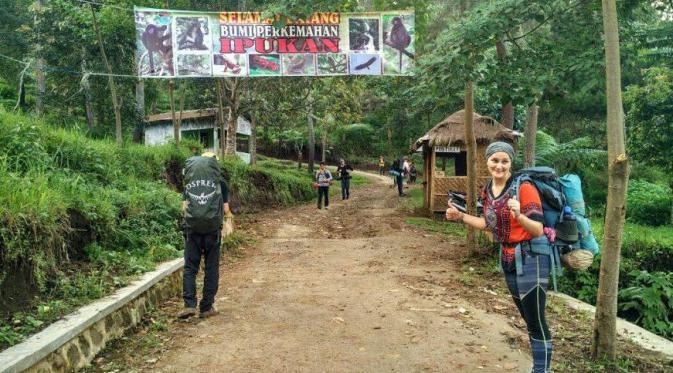 Lembah Ipukan di Gunung Ciremai, Kuningan, Jawa Barat, menjadi tujuan wisatawan. (Liputan6.com/Panji Prayitno)