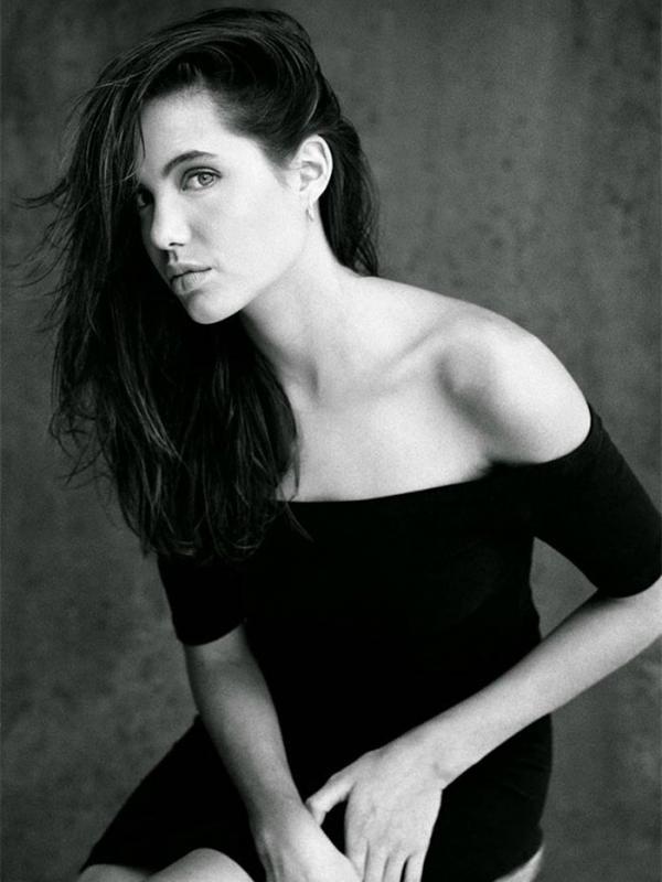 Angelina Jolie (boredpanda/Harry Langdon)