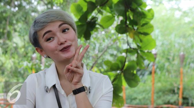 Zaskia Gotik saat menghadiri acara Ulang Tahun Julia Perez di kawasan Ancol, Jakarta, Jumat (15/7). (Liputan6.com/Herman Zakharia)