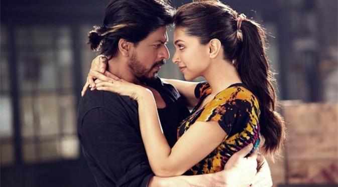 Deepika Padukone dan Shahrukh Khan. Foto: via bollywoodlife.com
