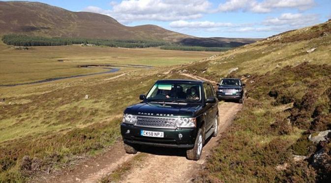 Usia 90 Tahun, Ratu Elizabeth II Kuasai Kemudi Range Rover
