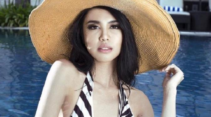 Cantiknya Miss Grand International 2016, Ariska Putri Dewi dalam baluta bikini. (Instagram/Ikapertiwi)