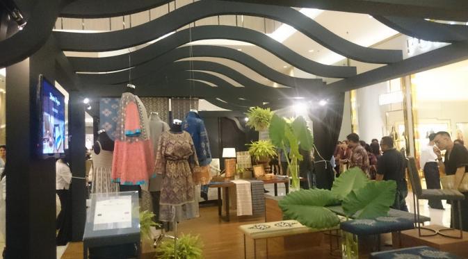 Deretan Desainer Indonesia Tuangkan Keindahan Alam Lewat Tenun