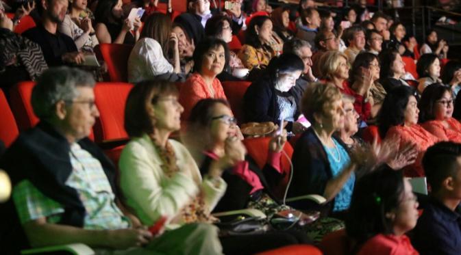 Penonton antusias melihat pertunjukkan kolintang di Sydney Opera House. (Dok: Bambang Heri)