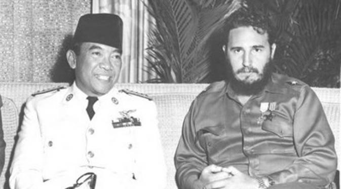 Bung Karno dan Fidel Castro. foto: solindo.wordpress.com