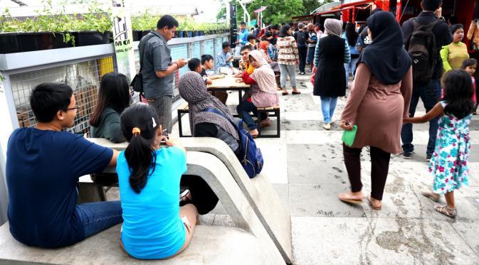 Wali Kota Bandung, Ridwan Kamil, meresmikan Teras Cihampelas atau Skywalk Cihampelas. (Liputan6.com/Kukuh Saokani)