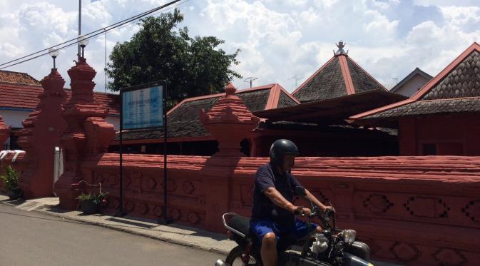 Masjid tua di Kampung Arab Cirebon. (Liputan6.com/Panji Prayitno)