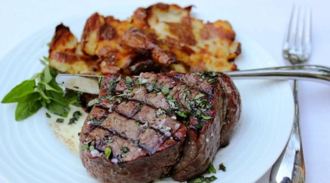 Tenderloin Steak. foto: the skinny chick can bake
