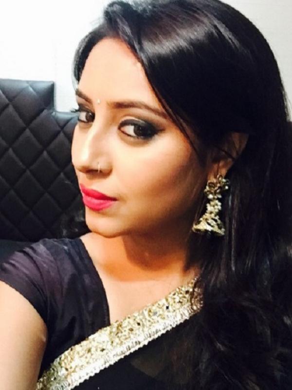 Pratyusha Banerjee gemar selfie. (Instagram/iamprat)