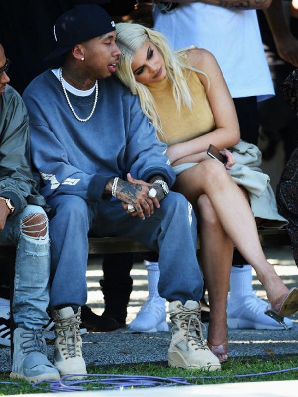 Kemesraan nampaaknya tak akan terlihat lagi dari pasangan Kylie Jenner dan Tyga. Keduanya dikabarkan telah mengakhiri hubungan mereka setelah berjalan selama kurang lebih satu tahun lebih. (AFP/Bintang.com)