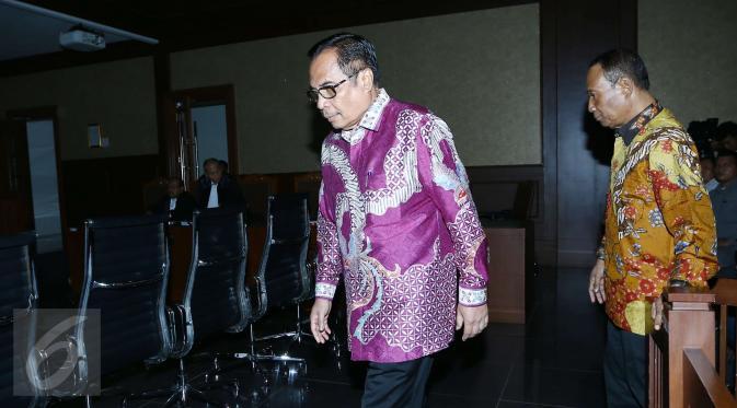Dua terdakwa mantan pejabat Kemendagri Irman dan Sugiharto menjalani sidang lanjutan perkara korupsi e-KTP di Pengadilan Tipikor, Jakarta, Kamis (23/3). Proyek e-KTP ini diduga dikorupsi hingga merugikan negara Rp2,3 triliun. (Liputan6.com/Helmi Afandi)