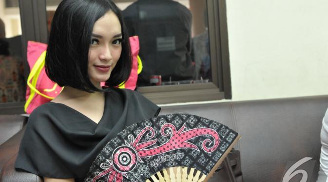 Zaskia Gotik menjadi salah satu pengisi acara. (Liputan6.com/Panji Diksana)