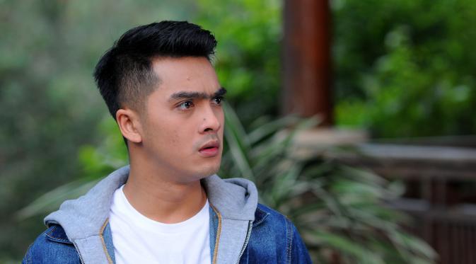Ricky Harun Paksa Prilly Latuconsina Benci Aliando Showbiz Liputan6 Com
