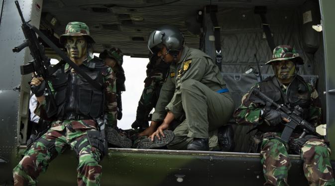 Adegan pertempuran menjadi bagian dari adegan film Doea Tanda Cinta (Foto: Cinema 8 dan Benoa)