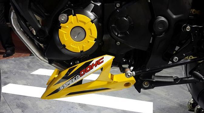 All New Honda CB150R StreetFire tampil kekar dan galak dengan aliran modifikasi Urban Fighter. (Septian/Liputan6)